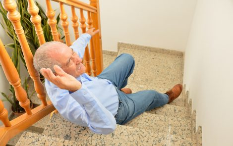 Muscle Weakness Causes Most Falls, Near Falls in CMT Patients, Survey Finds